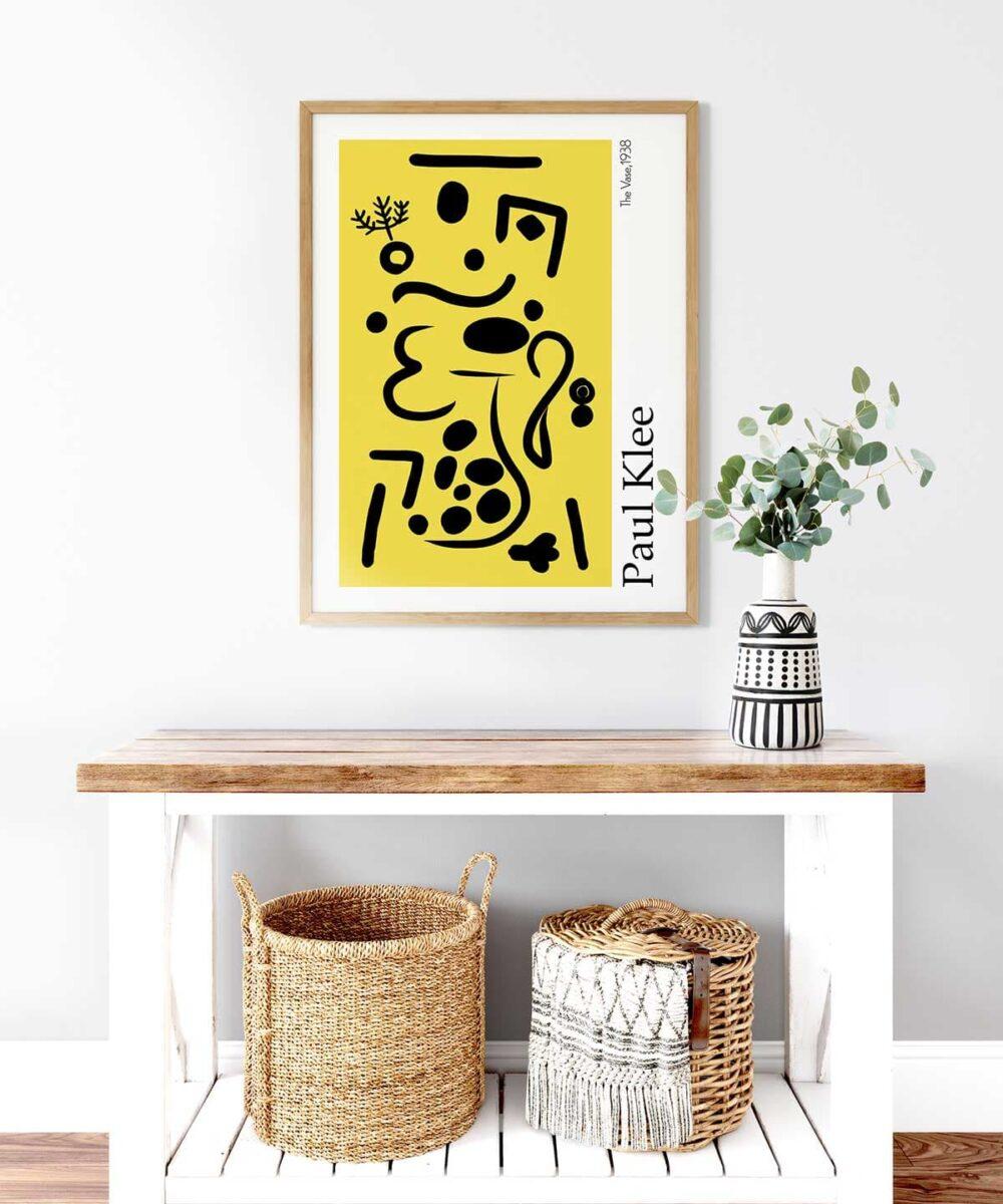 Vase-Poster-on-Wall-Big-Wooden-Frame-Duwart