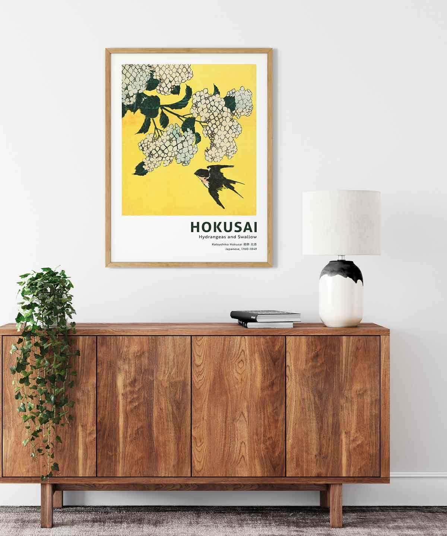 Hokusai-Hydrangea-and-Swallow-Wooden-Framed-Duwart